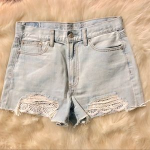 American Eagle distressed Mom shorts 6 NWOT